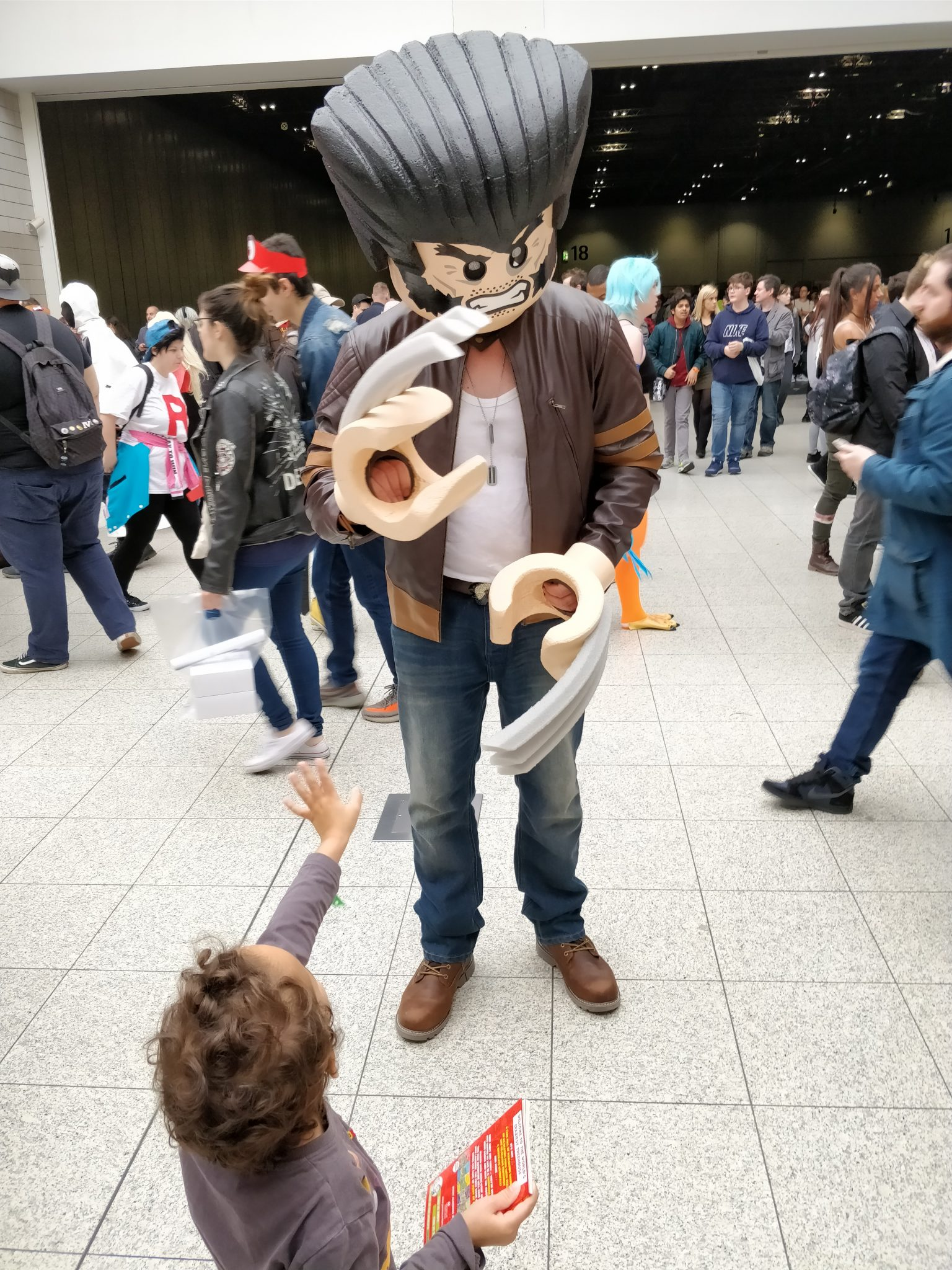 Happy to meet Wolverine - A day with my kids at the MCM London Comic Con