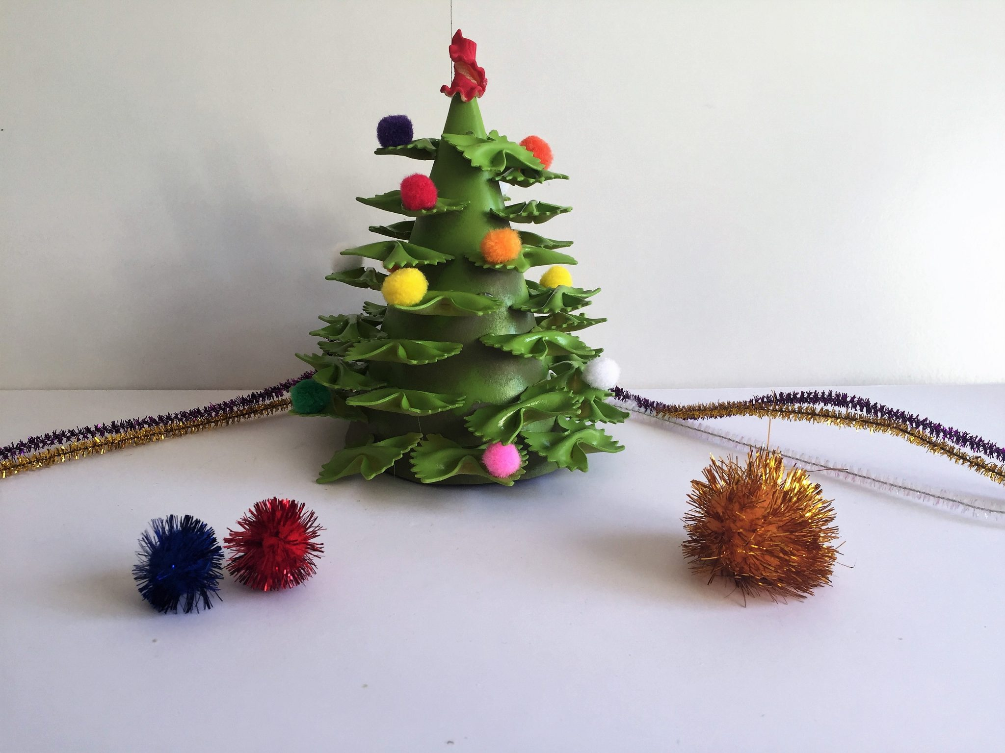 Christmas Tree crafts - Pasta Tree model