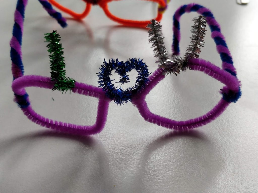 Valentines pipe cleaner glasses - Last step I love you